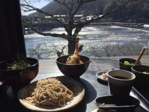 よしむらの食事と桂川